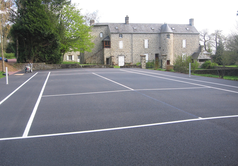 marquage_sol_sportif_ecole_terrain_tennis_normandie_urbasign