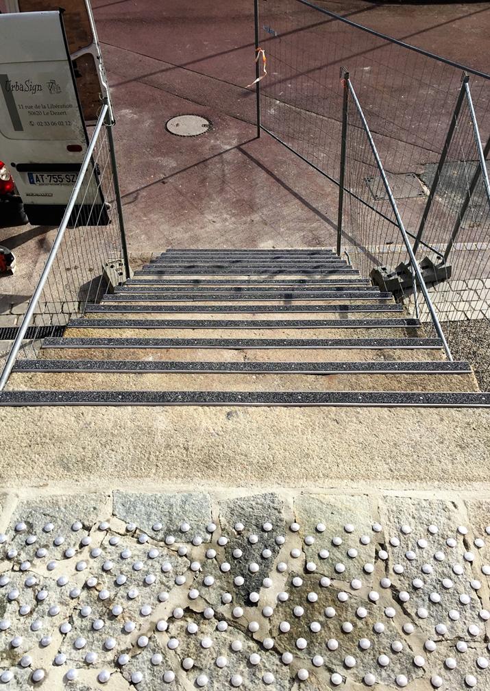 signalisation_accessibilité_PMR_manche_calvados_normandie_urbasign6